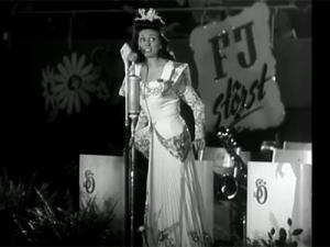 Rosita Serrano singing in Stockholm, 1944