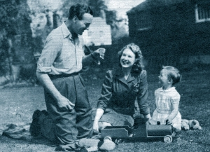 David and Primmie Niven with David Jr, in 1945