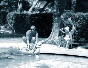 Hjordis and David Niven woth Kristina and Fiona. Cap Ferrat, 1964