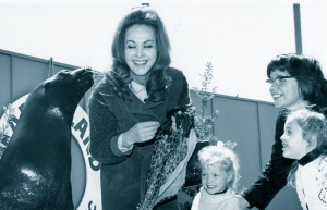 Hjördis and Fiona Niven meet a seal. California, 1967