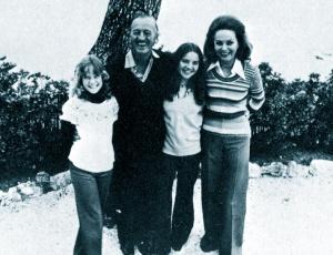 David Niven and family, Switzerland 1977