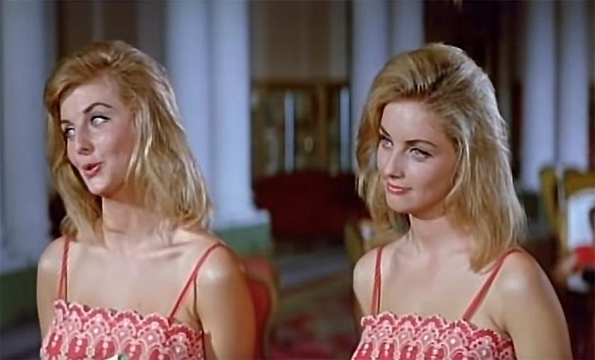 """Pia and Mia Genberg in """"I Don Giovanni della Costa Azzurra"""" (""""Beach Casanova""""), 1962"""